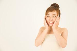 微笑む女性の画像
