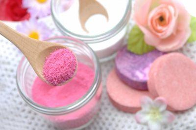 ピンク色の入浴剤の写真