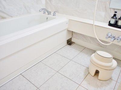 白い風呂場