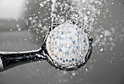 水滴がキレイなシャワー