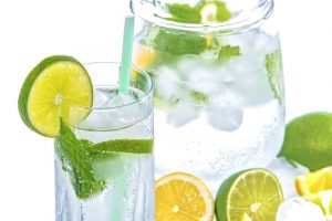 ビタミンC豊富なレモン水の画像