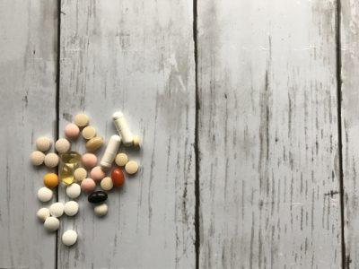 錠剤とサプリメント