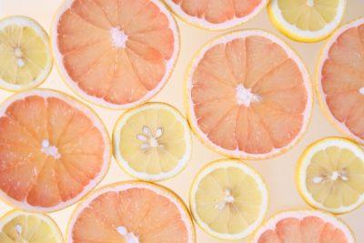 グレープフルーツとレモンの輪切り