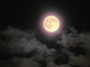 夜空にお月様