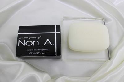 Non A.(ノンエー)石鹸と箱