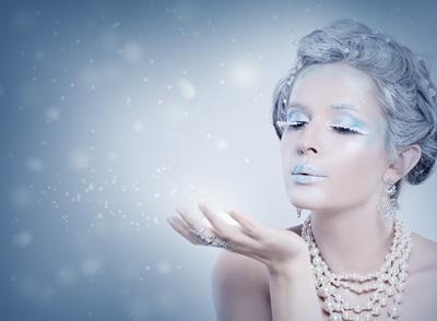 冬の象徴の美しい女性