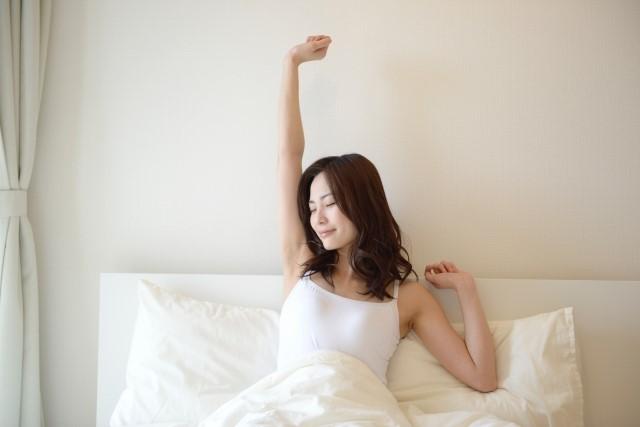 寝起き 女性