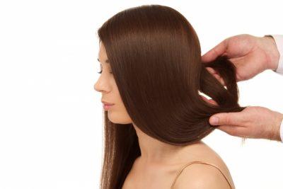 女性のつややかな髪