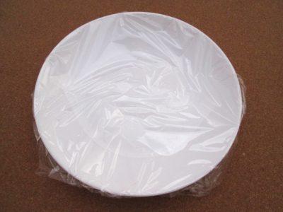 皿にかけられたラップ